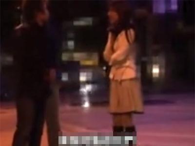 【ナンパ熟女動画】夜の街で仕事帰りの30代美人妻を捕獲⇒高額謝礼で釣ってセックスに持ち込む!