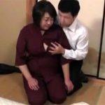 【五十路熟女動画】Eカップ巨乳美熟女のムッチリ女将がクレーマーの男性客に体を求められ本気セックス!