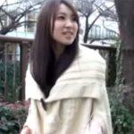 【ナンパ若妻動画】子連れの20代素人の細身美人妻を強引に捕獲…撮影スタジオでハメ撮り中出しセックス!