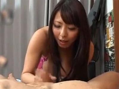 【村上涼子熟女動画】四十路Gカップ巨乳の豊満な美熟女が言葉責めでM男のチンポをフェラチオから潮吹き!