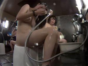 【盗撮熟女動画】銭湯女湯の洗い場に小型カメラ仕掛けて40代素人の三段腹おばさんの洗体を隠し撮り!