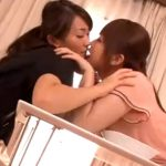 【レズ熟女動画】30代美人妻が近所に引っ越して来た20代若妻に痴女られて激しいレズセックス!