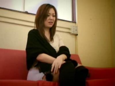 【レイプ熟女動画】「何でもヤリます…」鬼畜教師が弱みを握り40代美人奥様を中出し強姦した問題映像!