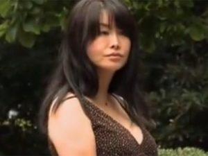 【浅井舞香熟女動画】四十路美熟女Dカップ母親の不倫相手が息子の同級生⇒ラブホで禁断セックス!