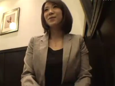【若妻動画】旦那とはご無沙汰な20代素人の清楚系美乳美人妻がAV出演⇒1年ぶりのSEXで乱れ過ぎる!