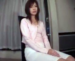 【不倫熟女動画】30代素人のドMな美人妻が旦那に隠れて愛人とラブホテルでハメ撮り中出しセックス!