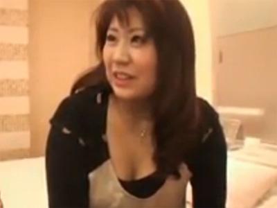 【ナンパ熟女動画】街角で五十路素人ぽっちゃり巨乳奥さんを捕獲⇒口説き落とされラブホで中出しSEX!