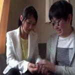 【安野由美熟女動画】「私で大丈夫なんですか?」50代とは思えないCカップ美熟女が童貞君の初体験をお手伝い!