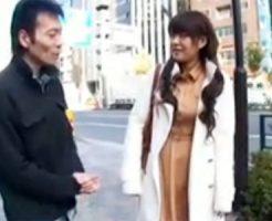 【ナンパ熟女動画】街中で三十路素人巨乳奥さんに声を掛け、ホテルに誘いマットプレイで中出しセックス!