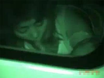 【盗撮熟女動画】四十路素人奥様がラブホまで辛抱堪らず車内でチンポをフェラチオしてる姿を赤外線カメラで隠し撮り!