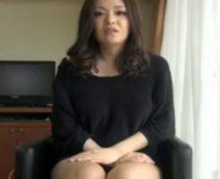 【ナンパ熟女動画】街角で40代素人のムチムチ奥様を捕獲⇒パンチラ撮影だけの筈がセックスに持ち込む!