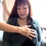 【五十路熟女動画】素人ぽっちゃり巨乳美熟女がAV撮影に参加⇒カメラの前でエッチな痴態を晒す!