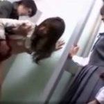 【レイプ熟女動画】痴漢魔に肉便器扱いにされる40代素人母親を心配そうな眼差しで見つめる娘!