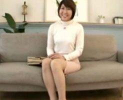 【四十路熟女動画】2児の母である専業主婦が旦那に内緒でAV出演⇒初撮り中出しセックス!