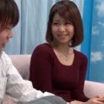 【若妻動画】マジックミラー号で後ろめたさがありながら童貞君の筆おろしする20代巨乳美人妻がコチラwww