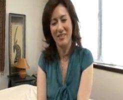 【四十路熟女動画】変態プレイが好きな素人巨乳美人奥さんがAV出演⇒アナルセックスに悶える!