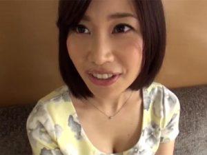 【三十路熟女動画】SNSで知り合った客室乗務員をしてる素人奥様とビジネスホテルでハメ撮りSEX!