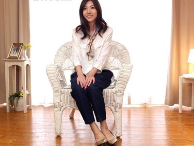 【三十路熟女動画】百貨店勤務の本物素人美人妻が旦那とのセックスレスに耐えかねてAVデビュー!