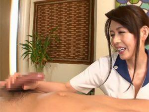 【三浦恵理子熟女動画】上品な色気漂う40代巨乳セラピストが男性客のチンポを手コキ奉仕!