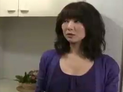 【不倫熟女動画】ドスケベな四十路美人団地妻が旦那以外の男と体の関係を持ちセックス三昧!