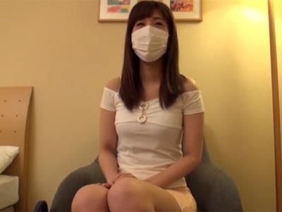 【若妻動画】25歳素人の歯科助手の爆乳奥様が顔出しNGでお小遣い稼ぎにハメ撮りセックス!