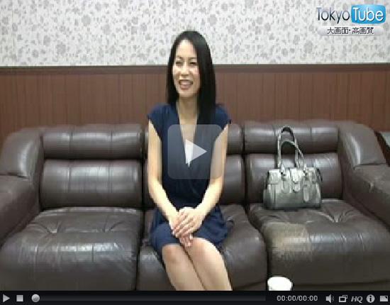 【四十路熟女動画】お金欲しさにスレンダー色白美人妻がAV出演⇒カメラの前で激しく乱れ狂う!
