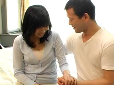 【四十路熟女動画】「イっちゃうー!」欲求不満な巨乳主婦がAV出演して本気SEXで何度も昇天!