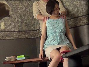 【不倫若妻動画】同窓会で再会して意気投合した美人妻を自宅に連れ込んでセックス⇒勝手にAV化され流出www