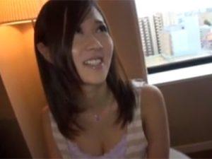 【ナンパ熟女動画】代官山で30代素人の巨乳美人妻を捕まえシティホテルに連れ込み即ハメセックス!