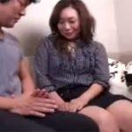 【ナンパ熟女動画】40代素人の細身貧乳奥さんを捕獲してラブホへ⇒本気セックスで大量顔射!