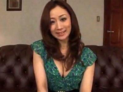 【川上ゆう熟女動画】セックス狂の30代巨乳美熟女が汗だく濃厚ファックで絶頂しまくる!