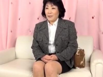 【ナンパ熟女動画】50代素人の豊満な美熟女が謝礼に釣られて生ハメセックスで無許可中出し!