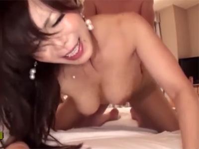 【五十路熟女動画】エロい豊満ボディの素人巨乳人妻とラブホテルでハメ撮り&中出し!