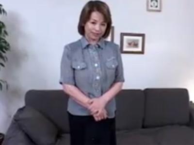 【高齢熟女動画】還暦過ぎても性欲旺盛な60代素人豊満おばさんがAV出演⇒イヤらしい中出しセックス!