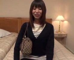 【三十路熟女動画】下着を見せるだけの簡単バイトと騙してスリム巨乳奥様をSEXに持ち込み中出し!