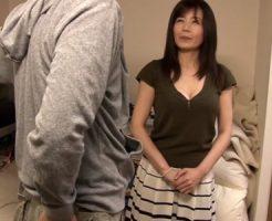 【三浦恵理子熟女動画】セクシー女優がファンの自宅訪問⇒巨乳おっぱいで極上パイズリ!