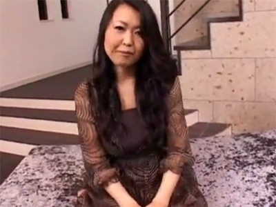 【四十路熟女動画】素晴らしいボディの41歳素人巨乳奥様が日頃の欲求不満を解消する為にAV出演!