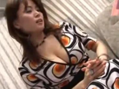 【ナンパ熟女動画】極上ボディの40代Gカップセレブ妻を必死に口説いて生ハメ中出し!