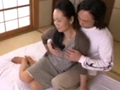 【高齢熟女動画】還暦を迎えた六十路垂れ乳おばさんがAV初撮りで完熟ボディを身悶えさせ喘ぎまくり!