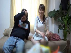 【盗撮熟女動画】ナンパ師の自宅で開業医のセレブ奥様が不倫SEXに持ち込まれる!