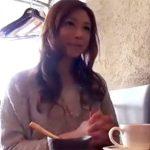 【不倫熟女動画】モデルみたいに綺麗な貧乳奥様が旦那以外の男とハメ撮りSEX!