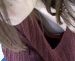 【盗撮熟女動画】全部見えるよりイヤらしい三十路素人の奥様の胸チラ・乳首チラ!