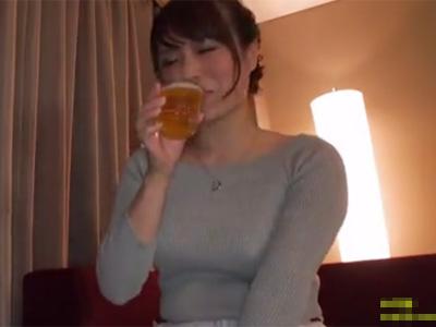 【不倫若妻動画】Fカップ巨乳の生々しい色気が半端ない美人妻…性欲旺盛で夫以外の男性と浮気SEX!