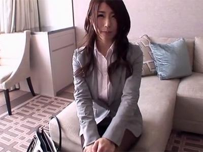 【篠田あゆみ熟女動画】美巨乳美人OLがセクシーランジェリーを着用したままハメ撮りセックス!