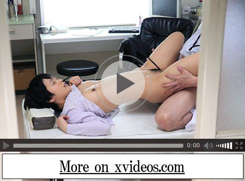 【盗撮若妻動画】産婦人科に訪れた綺麗な人妻がヤブ医者に寝取られて生チンポ挿入で中出し!