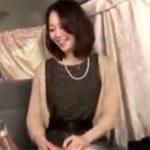 【ナンパ若妻動画】20代素人のセレブ感が漂う清楚な奥様を口説き落とし中出しファック!
