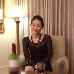 【四十路熟女動画】スレンダーでドMの素人奥様が初3Pセックスで快楽に溺れる!