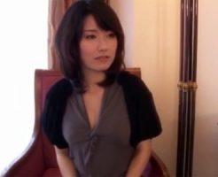 【不倫熟女動画】セックスレスで欲求不満の三十路美人女医の奥さんが浮気エッチ!