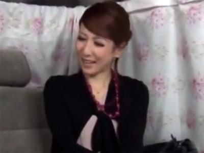【ナンパ熟女動画】自由が丘に住む30代セレブ妻を捕獲…謝礼を渡して中出しSEXに持ち込む!