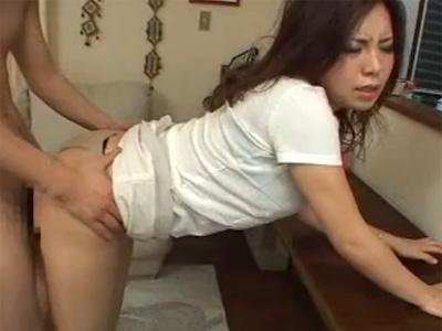 【不倫若妻動画】新婚の巨乳奥様が欲求不満で旦那さん以外の男性と濃厚セックス!